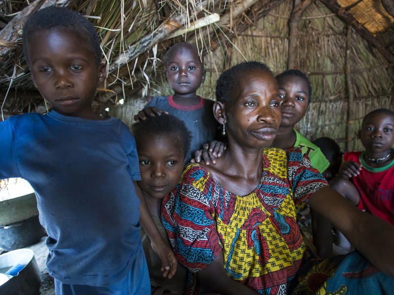 Family in a makeshift camp in Kaga Bandoro