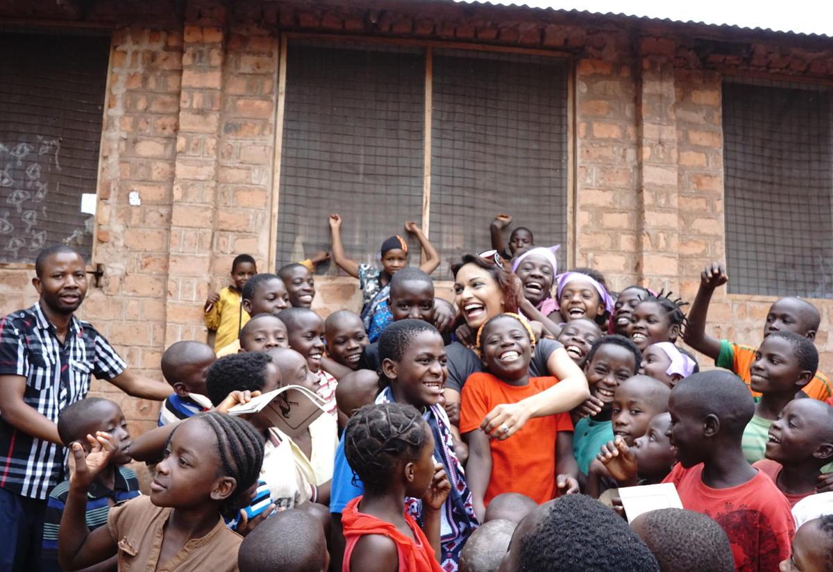 Danielle de Niese in Tanzania 2014